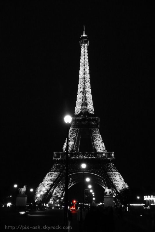 Eiffel by night 1