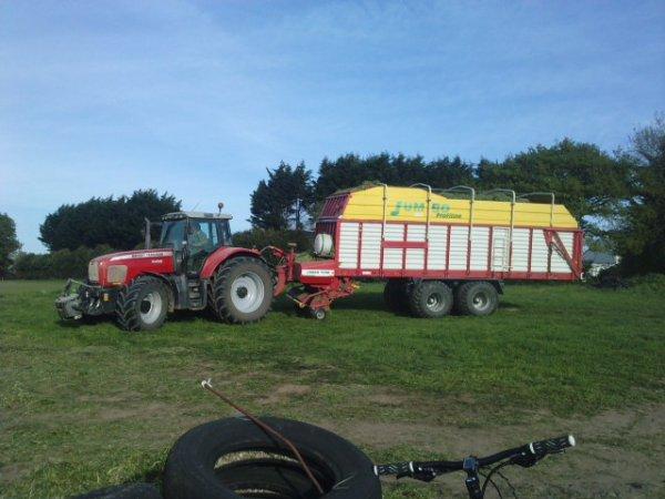 Ensilage herbe 2011 avec ETA paulic