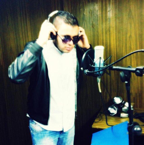 *au studio