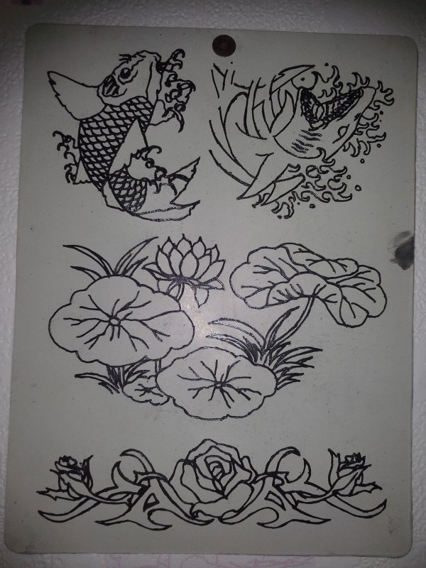 """Divers Et """" Montre + Roses... En Cours..."""""""
