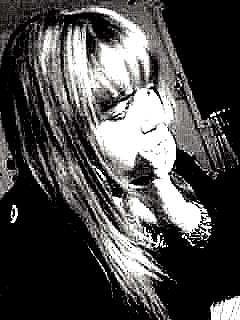 Que se passe t'il en moi, Etre si triste parfoi, Je me demande ma foi, En fait je ne ces pas pourquoi, Ecrire des mots quelque fois, Piur evakuer mon désaroi Tous cela sert a quoi, Si personne n'ecoute ta voix, J'aimerais crier du haut des toit, Le mal que j'ai en moi