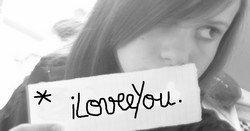 missdodiedu86.Skɑɑy' ♥ : Comprend qu'avec une fille Comme sa dans les bras , tu pourras jamais dire : L'amour N'existe pas. ♥