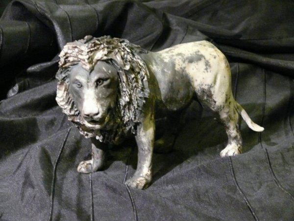 lion en grès , cuisson raku