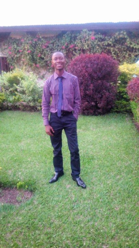 jules-mbongo  fête ses 31 ans demain, pense à lui offrir un cadeau.Aujourd'hui à 23:40
