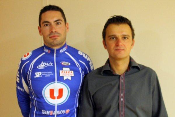 Etienne avec le maillot du team U Anjou 49