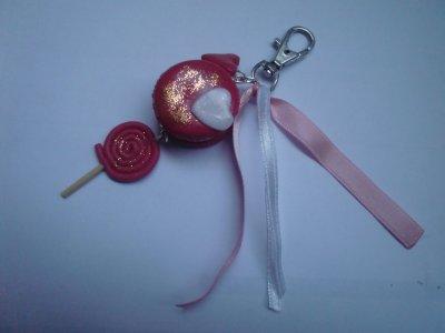 porte clef macaron et sucette a la fraise fimo (5¤)
