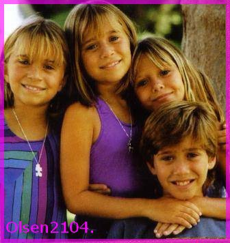 Mary-Kate , Ashley , Trent & Lizzie .