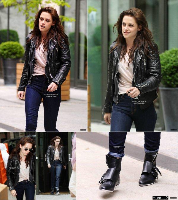 Kristen à NY accompagnée de son garde du corps - 06 Mai