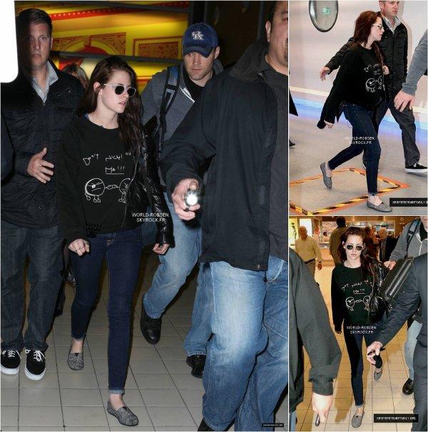 Kristen arrivant à Paris à l'aéroport Roissy Charles De Gaulle - 09 Mai