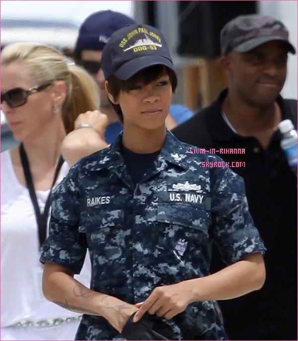 """Rihanna sur le tournage de """" Battleship """" elle est redevenu brune & a coupée ces cheveux ? ou c'est juste un perruque ? j'espère que ses pas une perruque :s Posté le: o1/o9/2o1o"""
