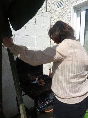 Anniversaire de Maman, BBQ, et colis, 25 mai 2012