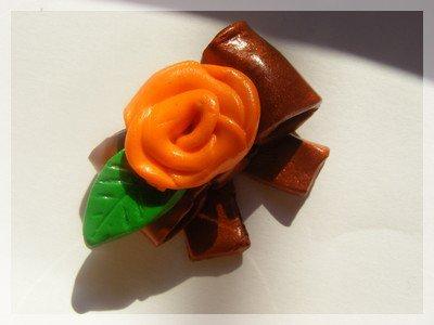 Pendentif noeud & rose