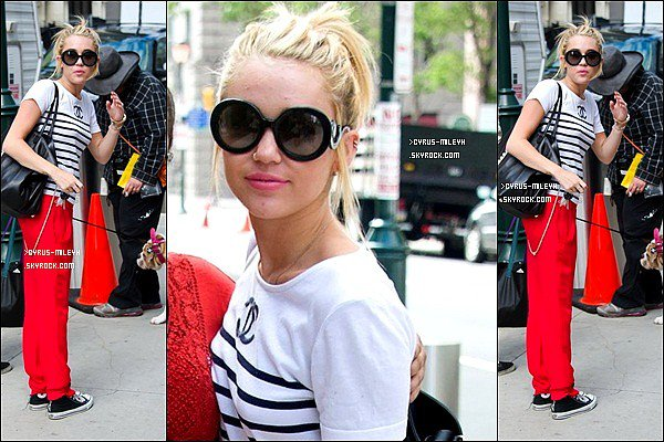 Miley sur le tournage de Paranoia,c'est le film dans lequel Liam joue   Posté par la webmiss le 22 juillet 2012 à 11:07