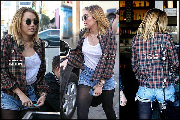 Posté le 1 Août :Miley passant la journée à Los Angelos