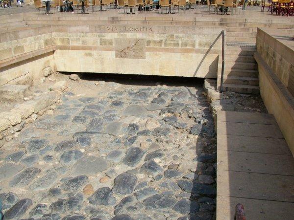 Narbonne en lumière pour l'inauguration des promenades des Barques Ville de l' Antiquité