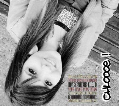 Faceb٥ok; Chloe Lagger