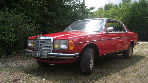 Mercedes 230CE 1982 (C123).