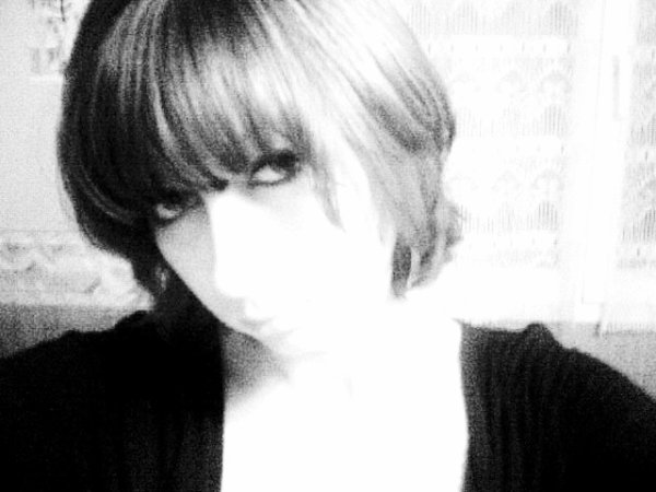 xXx-MOI-xXx une adolescente... qui rêve d'un monde parfait...