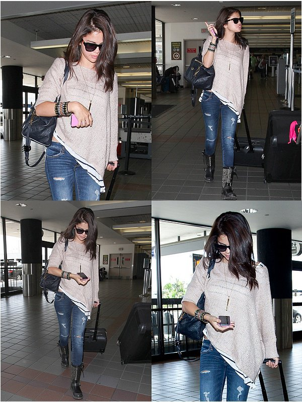 .   15/06/12 : Selena Gomez has been  seen at « LAX » Los Angeles (CA), so sweet Sel.   .