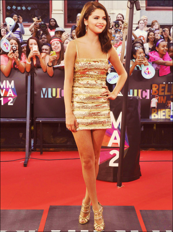 .   17/06/12 : Selena Gomez went to the « Much Music Video Awards » in Toronto. She is just so beautiful !   .