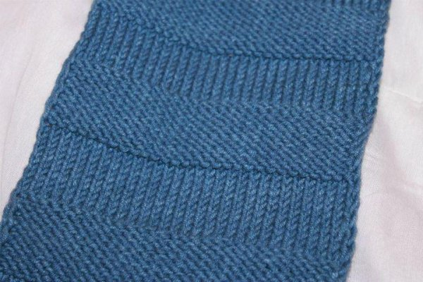 tricoter une echarpe jersey