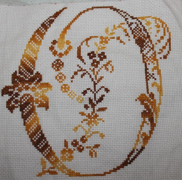 Broderie lettre O
