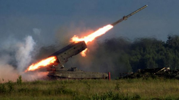 Destinataire : Paris, fenêtre de Michel SAPIN,  ministre des Finances à Bercy (MDR !) Satan 2, le missile nucléaire russe capable de raser en quelques minutes un pays de la taille de la France.