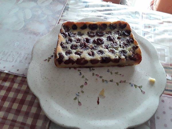 CLAFOUTIS DE CERISES FAIT AVEC MON CAKE FACTORY