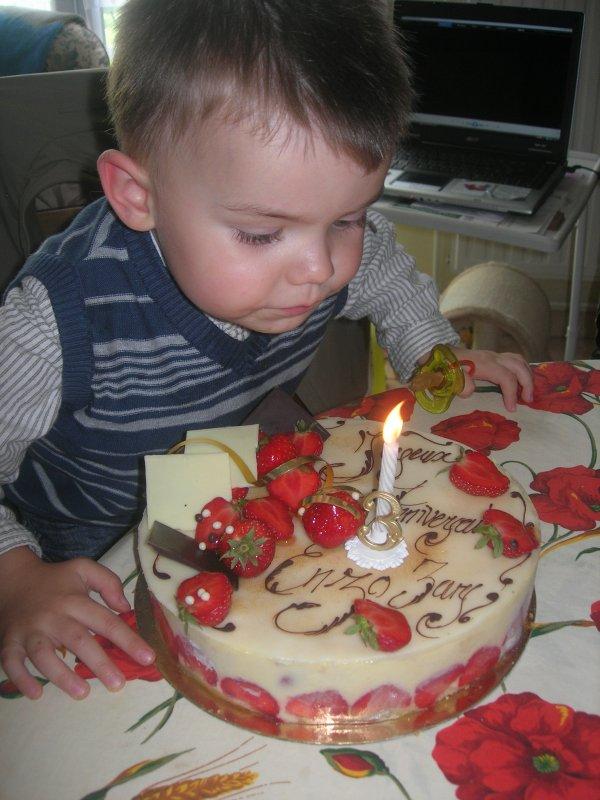 bon anniversaire a mon fils  3ans ojourdhui bisou mon coeur