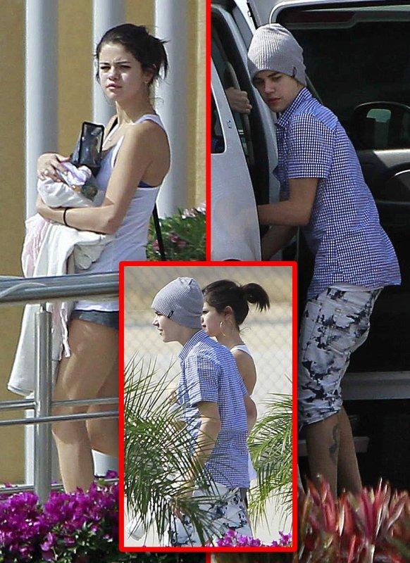 7 janvier 2012 ♣ Selena a été vu a Mexico. Et oui un mois après son voyage pour fêter les 1 ans de son couple elle y est retourné.
