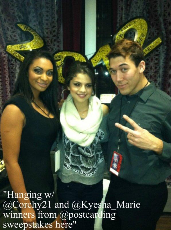 • Voici le shoot de Selena pour la collection Dream Out Loud.