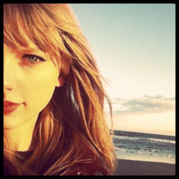 28 décembre 2011 ♣ Taylor s'est rendu au magasin 'KMart' pour faire quelque petite emplettes.