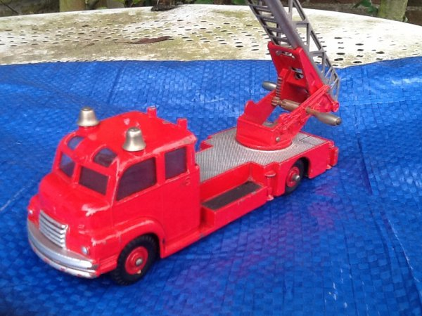 Camion pompiers Dinky toys GB