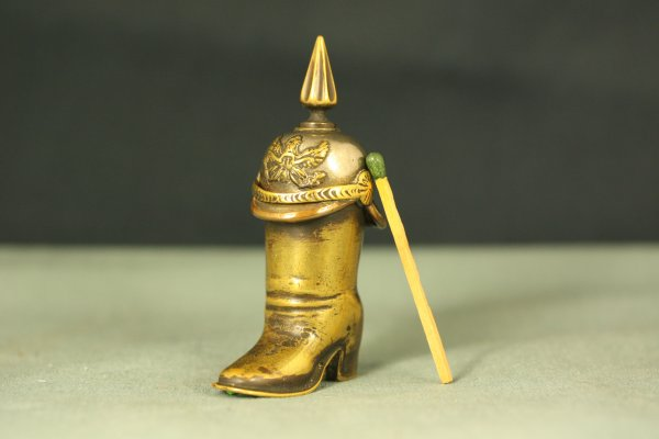 Briquet Trench Art Pickelhaube Boot Striker Lighter