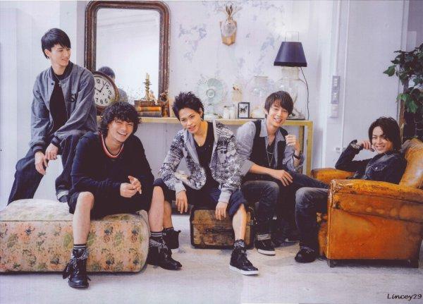 KAT-TUN dans Weekly Only Star juillet
