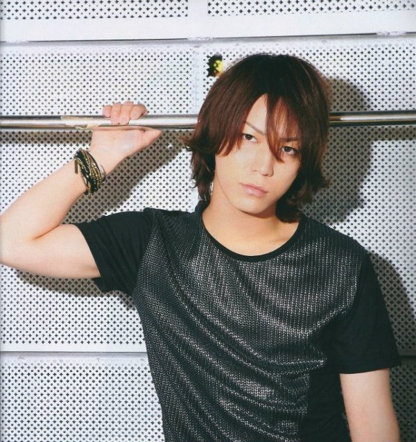 Kamenashi Kazuya dans TV Navi (septembre)