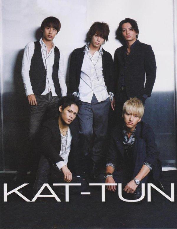 KAT-TUN dans Duet de Novembre