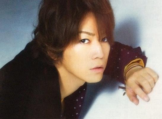 Kamenashi Kazuya dans Esse
