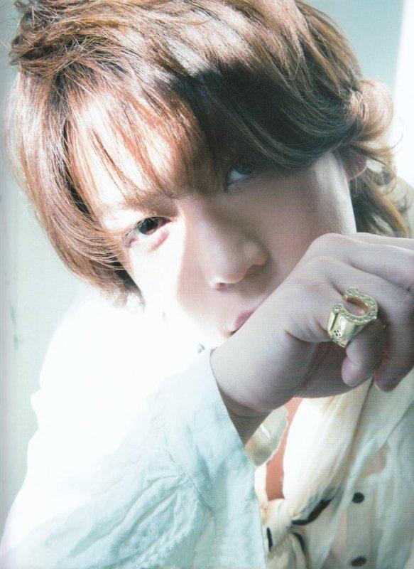 Kamenashi Kazuya dans Actors magazine