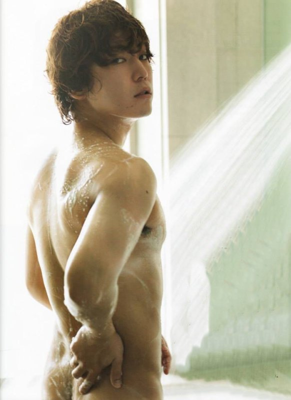 Kamenashi Kazuya dans Maquia