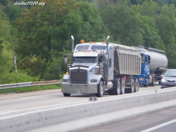 kenworth ( on the road )