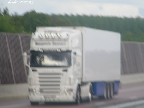 scania transport bonnet ( on the road ...)