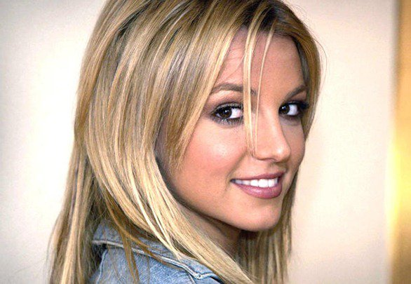 Katy Perry parle de Britney  =)