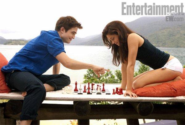Infos Breaking Dawn → Interview de Kristen Stewart, Robert Pattinson et Bill Condon + Photos Officielles