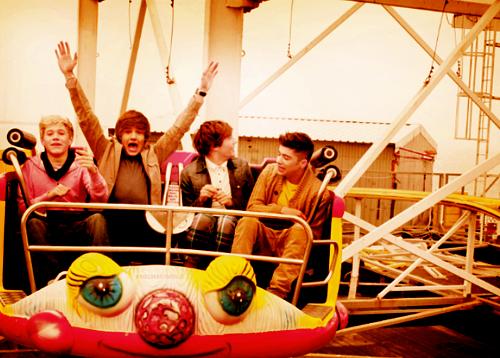 Nall Horan, Liam Payne, Louis Tomlinson, Zayn Malik.