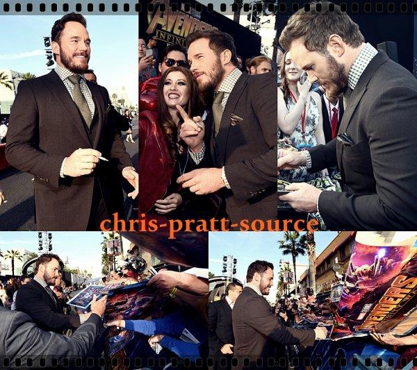 → Chris le 4 Avril 2018 ▬ Prend des photos avec des fans au Brésil ←