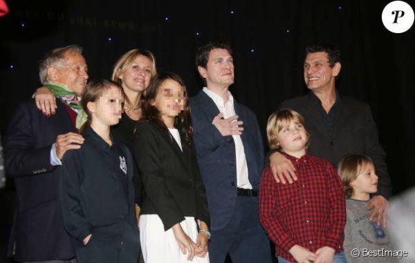 Marc Lavoine fête son entrée au Grévin avec Sarah et ses fils Milo et Roman