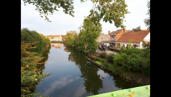 Coppenaxfort : Marc Lavoine en tournage au bord du canal ....