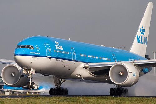 ---> Mon billet électronique, let's go avec 3 autres français prenant le même vol que moi ! :)