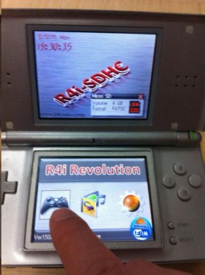 Solution écran blanc R4i-SDHC 3DS Upgrade